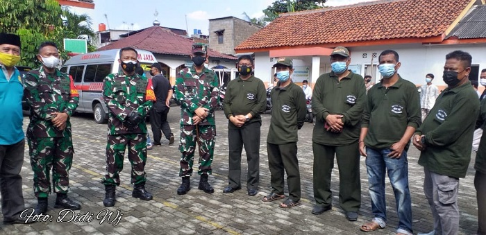 TNI Gelar Pelayanan Vaksin ke Warga Cakung Jakarta Timur