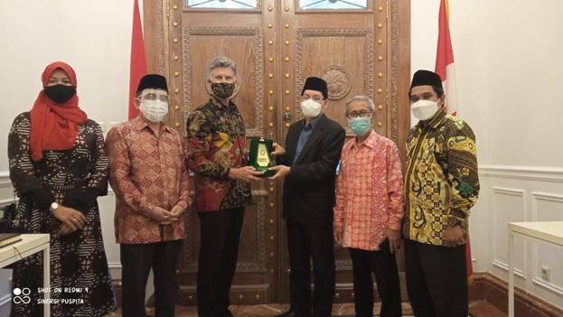 Majelis Ulama Indonesia Sambangi Dubes Kanada